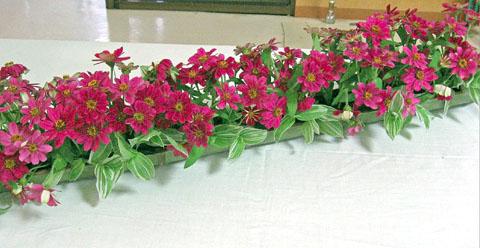 患者さんと職員とで花作りにチャレンジ