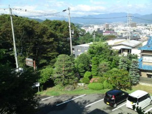 管理棟から見える上田市街地