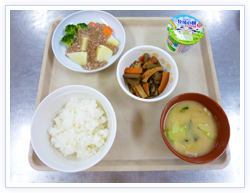 ボイル野菜のひき肉あんかけ 彩りよく、バランスも良いので、食欲をそそります!
